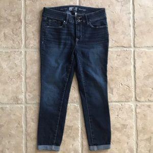 Women's APT. 9 Slim Capri Jeans